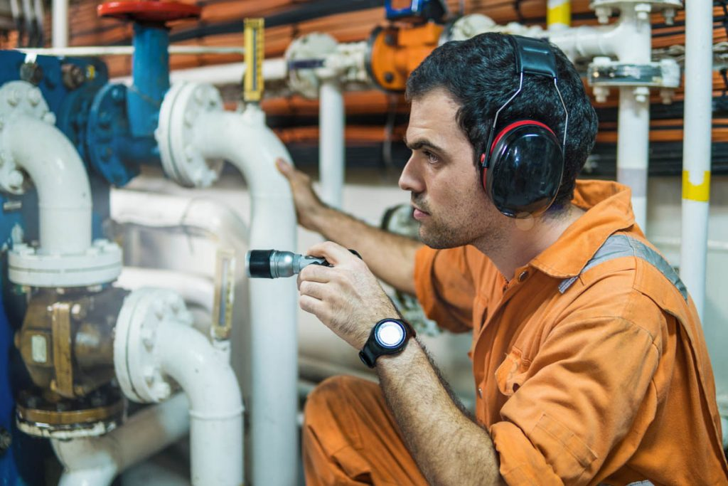 Marine engineering services in Panama